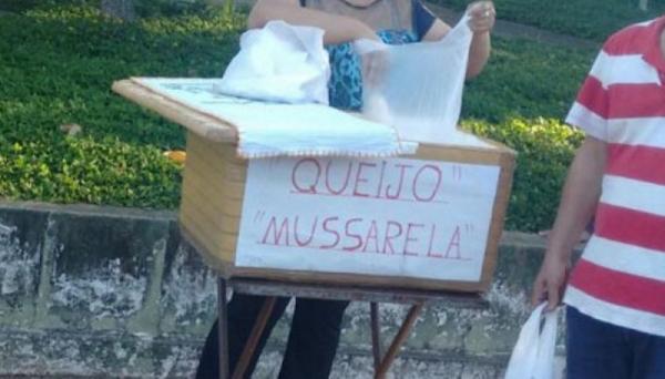 Queijo vendido na feira-livre em Adamantina era acondicionado em caixa de isopor (Foto: Cedida).
