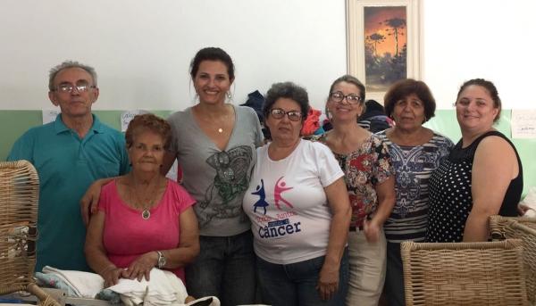 Voluntários da Rede de Combate ao Câncer de Adamantina (Foto: Divulgação).
