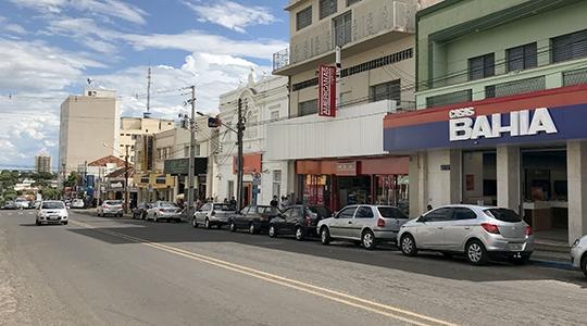 Avenida Rio Branco, centro de Adamantina (Arquivo/Siga Mais).