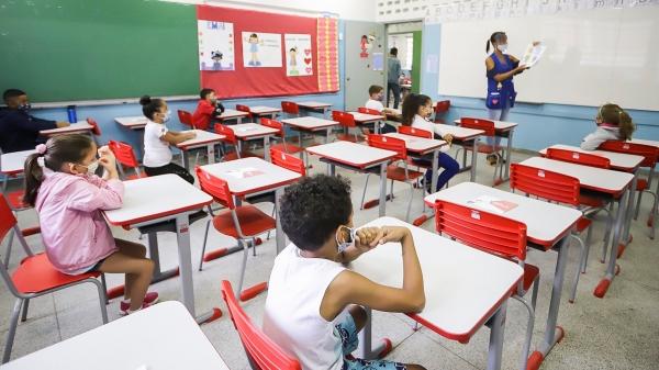 Aulas presenciais são autorizadas nas escolas privadas e estaduais, em Adamantina, com ocupação de 30% em cada sala (Foto: SeducSP).