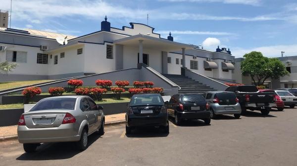 Santa Casa de Adamantina recebeu paciente de Araraquara, distante 375 km, via Central de Vagas, para atendimento em UTI Covid (Foto: Siga Mais).