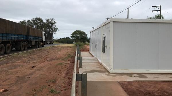 Estrutura do SAU começou a ser instalada na SP-294, em Adamantina, pela concessionária Eixo SP (Foto: Siga Mais).