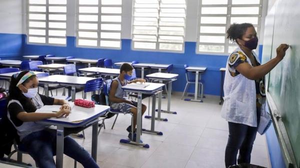 Foi antecipado para  11 de junho a vacinação de 363 mil profissionais da educação básica de 18 a 44 anos no Estado de São Paulo (Foto: Seduc SP).