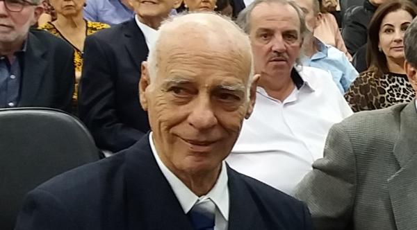 Sérgio Seixas foi o nono prefeito de Adamantina. Na imagem, aparece em cerimônia de homenagem a ex-prefeitos, realizada em junho do ano passado, pela prefeitura local (Foto: Erivaldo Lopes/Site Clikar).