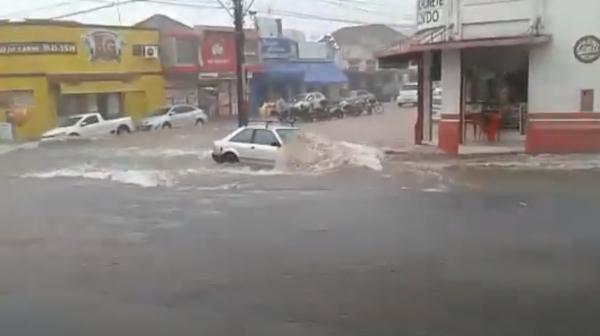 Um dos pontos críticos informados na mensagem que acompanha o projeto de lei, cruzamento da Rua Fioravante Spósito e Avenida Capitão José Antônio de Oliveira (Arquivo).