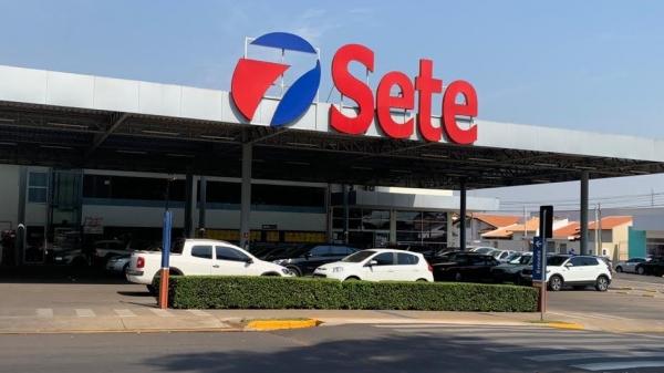 Loja da Rede Sete Supermercado completa quarto aniversário e consolida sua história junto ao público consumidor de Adamantina e região (Siga Mais).