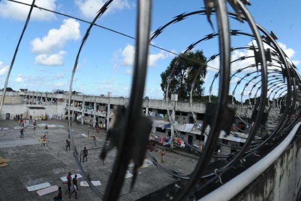 Presos enfrentam superlotação e violação de direitos (Foto: Marcello Casal Jr./Agência Brasil).