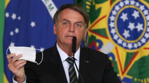 Presidente pede parecer ao Ministério da Saúde para desobrigar o uso de máscara por pessoas que já estejam vacinadas ou que tiveram a covid-19.    (Foto: Fabio Rodrigues Pozzebom/Agência Brasil).