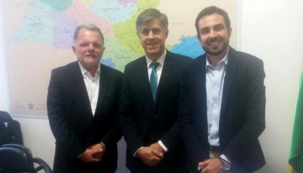 Mauro Bragato, prefeito Márcio Cardim e Murilo Macedo, na Casa Civil do Governo do Estado de São Paulo (Foto: Da Assessoria).