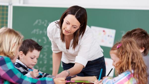Resultado de imagem para Educação chama mais de 16 mil professores aprovados em concurso