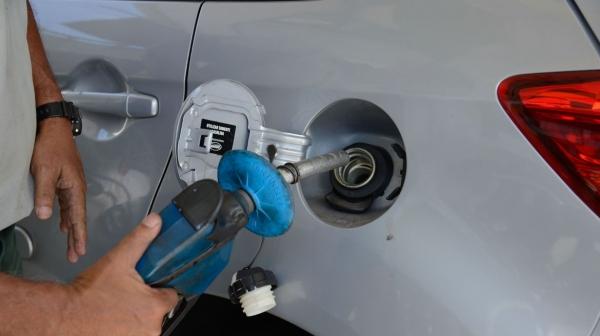 Preço final, nas bombas, deve sofrer o impacto do novo reajuste dos combustíveis nas refinarias, autorizado pela Petrobras (Foto: Tomaz Silva/Agência Brasil).