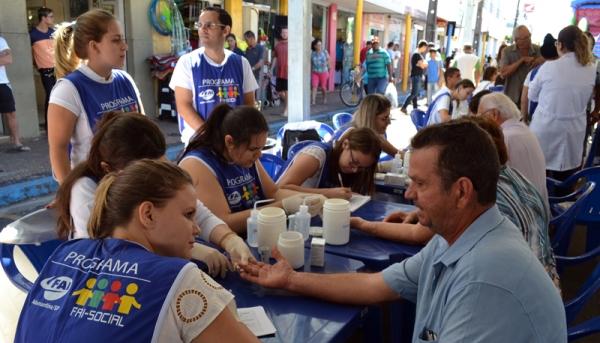 Atendimentos à comunidade, em diversas áreas, serão realizados neste sábado, no pátio da feira livre, em Adamantina (Foto: Arquivo/UniFAI).
