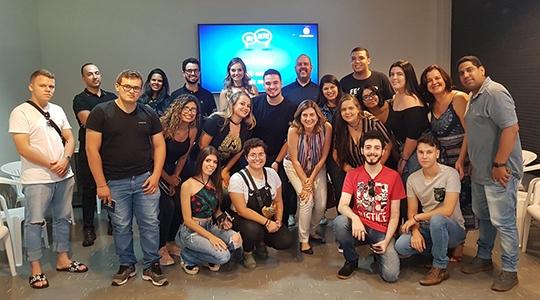 Estudantes da UniFAI participaram de visita técnica e debate no ?Sem Filtro? da TV Fronteira (Foto: TV Fronteira).