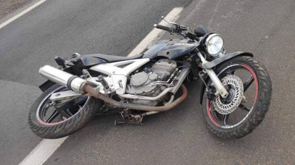 Moto envolvida no acidente que resultou na morte do condutor, de 22 anos (Cedida/PM Rodoviária).